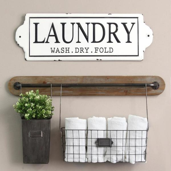 Black and white laundry sign